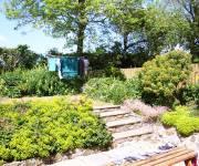 long-barn-garden-2